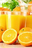 Bardak portakal suyu ve meyve — Stok fotoğraf