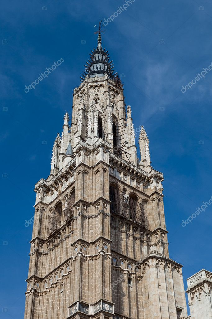 Cathedral of Gothic style of the marvelous city of Toledo, Spain — Stock Photo #7274342