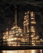 Round the clock running an oil refinery. — Stock Photo
