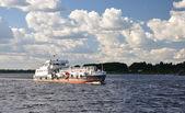 Tanker on the Volga. — Stock Photo