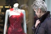 Woman outdoor shopping — Stock Photo