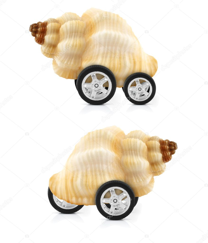 Snail on wheels, mobile house concept — Stock Photo #6867004