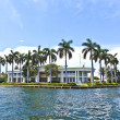 View to beautiful houses from the canal in Fort Lauderdale — Stock Photo #7196811