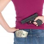 para, kadın ve silah — Stok fotoğraf