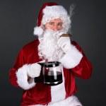 Babbo Natale, fumando un sigaro e bere il caffè — Foto Stock