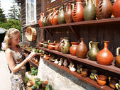 Poland. Sale of ceramic ware in Kazimezhe Submultiple. — Foto de Stock