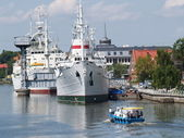 "Kaliningrad. Research vessel ""Hero"" at a mooring — Stock Photo"