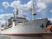 "Kaliningrad, Russia. Research vessel ""Cosmonaut Victor Patsaev"" — Stock Photo"