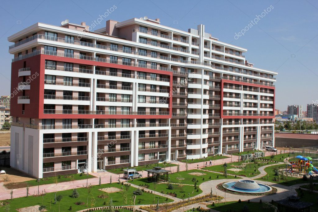 Apartment block over blue sky — Foto Stock #6857094