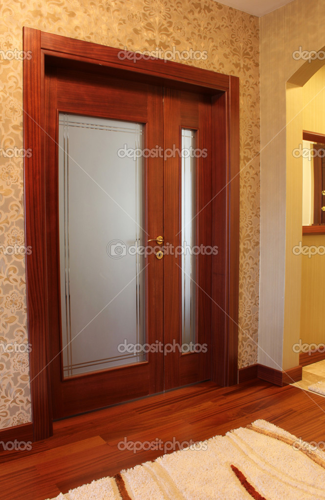 Wood Door — Stock Photo #7780112
