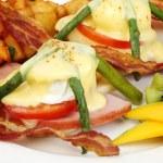 ������, ������: Asparagus ham tomato eggs benedict