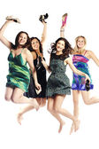 Retrato de grupo de jóvenes emocionadas saltando — Foto de Stock