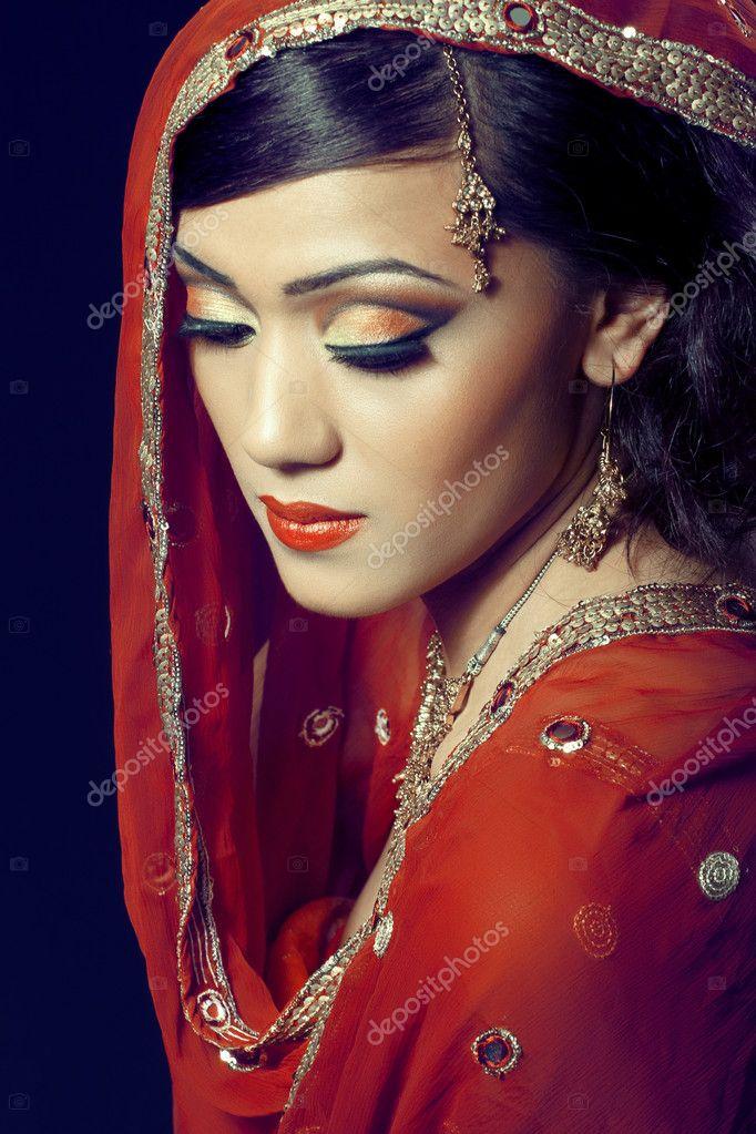 linda garota indiana   maquiagem noiva foto stock martinidry