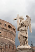 View of Castel Sant`Angelo and one of Bernini`s statues in Rome — Stock Photo