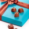 gåva lådor med choklad — Stockfoto