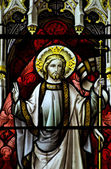 Beautiful stained glass window detail in 15th Century Saxon chur — Stock Photo