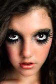 Closeup krásná mladá dívka s velkým make-up — Stock fotografie