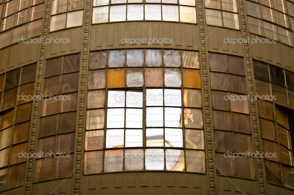 Old industrial building with reflection and windows — Stock Photo #7786583