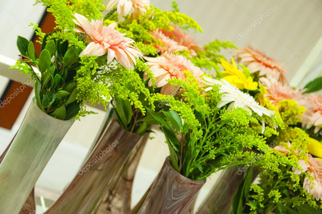 Colorful flower arrangements in vases of glass — Stock Photo #7173989