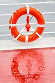 Bóia de vida no cruzeiro mar — Foto Stock