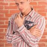 chico guapo en pared — Foto de Stock