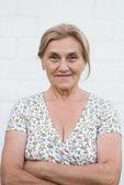 Roztomilá babička venku — Stock fotografie