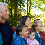 familjen på park — Stockfoto