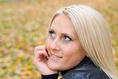 Nice blonde outdoors — Stock Photo