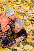 Viejo con su nieto — Foto de Stock