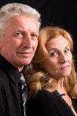 Im Alter von paar auf schwarz — Stockfoto