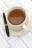 Calendário e xícara de café — Foto Stock
