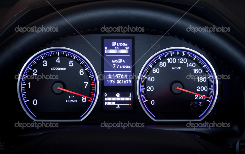 Illuminated car dashboard displaying maximum speed. — Stock Photo #6826967