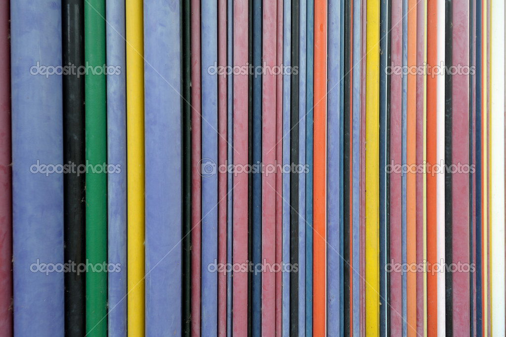 Diverse dimensions multicolored wires on a wall. Useful file for your communication, internet, networking brochure, presentation or flyer. — Stock Photo #7180863