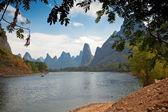 Li River and karst mountains — Foto de Stock