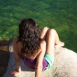 Summer woman in a green lagoon at Gredos - Foto de Stock