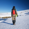 Winter hiking woman — Stockfoto