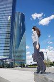 Due grattacieli e imprenditrice — Foto Stock