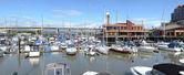 Oak st. bridge (Hwy-99 NS) & marina River Rock casino Richmond B — Stock Photo