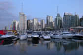 Marina & Vancouver BC skyline. — Stock Photo