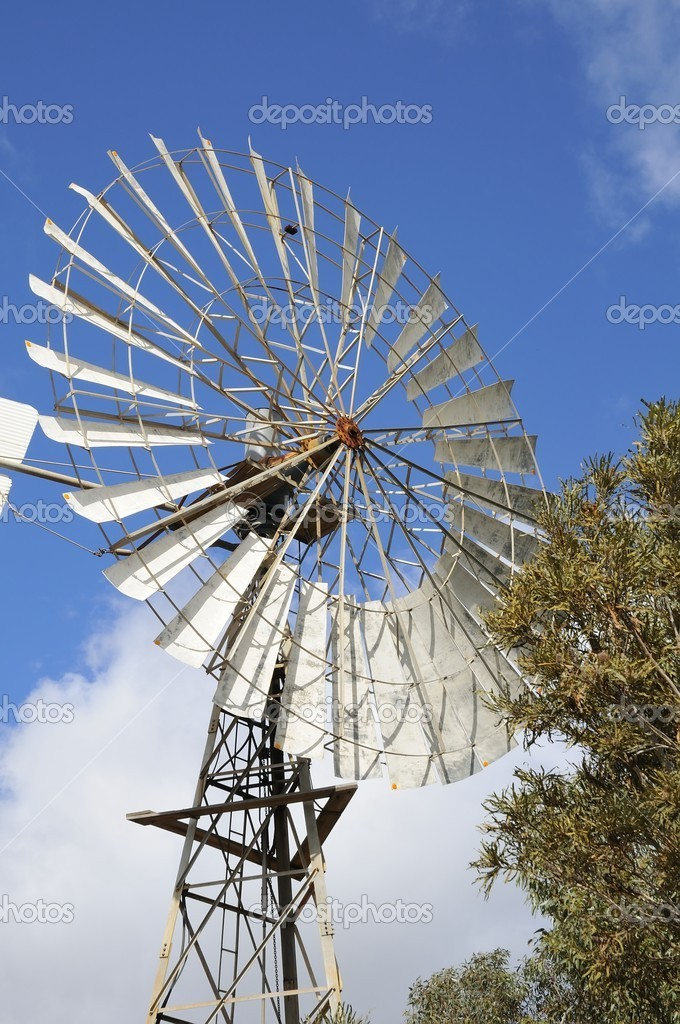 Large manual windmill used to generate electricity in the rural areas. — Stock Photo #6839226