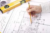 Lápis, mão, projetos na área de trabalho — Foto Stock