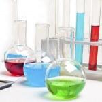 laboratorium elementów - probówek i kolb — Zdjęcie stockowe