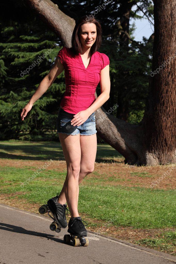 Hot Girls In Short Shorts Shoe