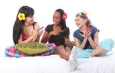 Slumber party make up games for teenage girls — Stock Photo