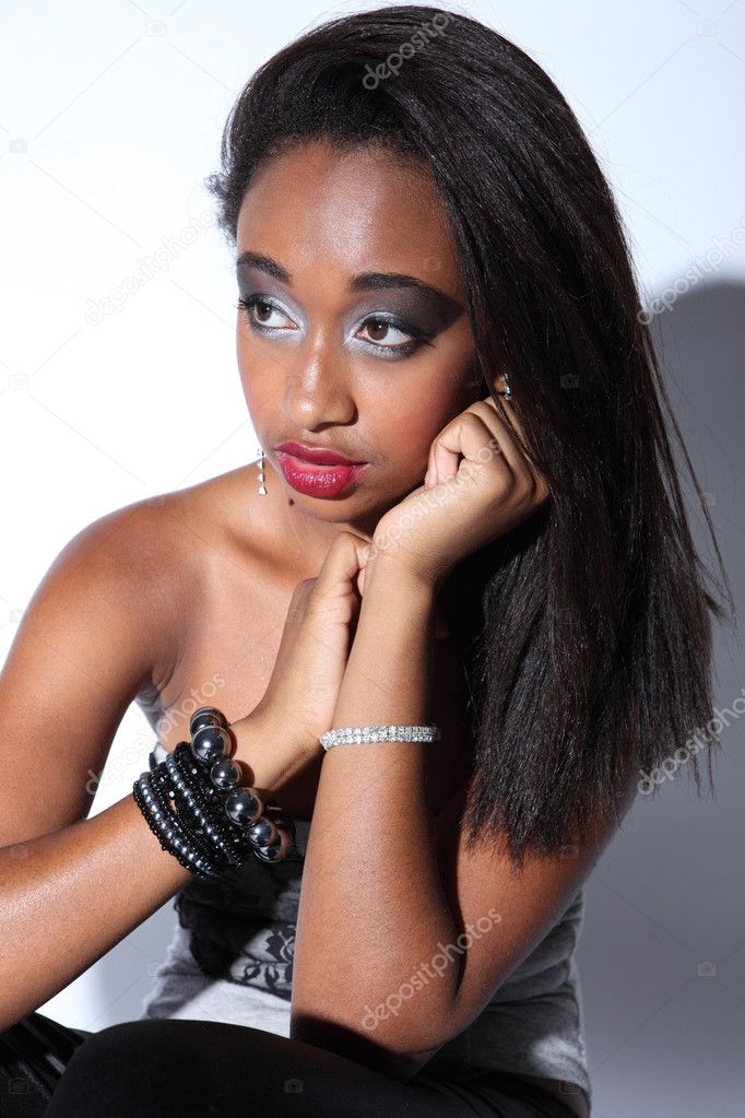 Beautiful african american woman glamour make up — Stock ...