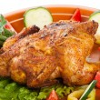 Fresh grilled whole chicken with vegetables — Stock Photo #7696864