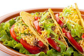 Beef tacos with salad and tomatoes salsa — Foto de Stock