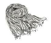 Vit halsduk med svarta ränder — Stockfoto