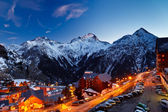 Ski resort in Alps — Stockfoto