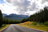 Bow Valley parkway landscape in Canada Rocky Mountains — Stock Photo